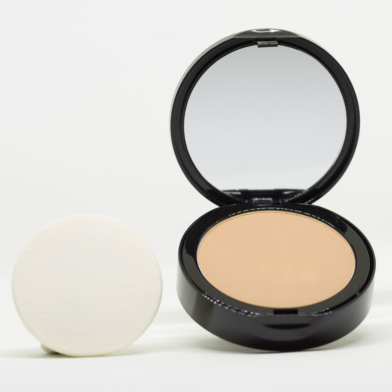 PC4 Warm Yellow Pressed Powder Mineral Foundation