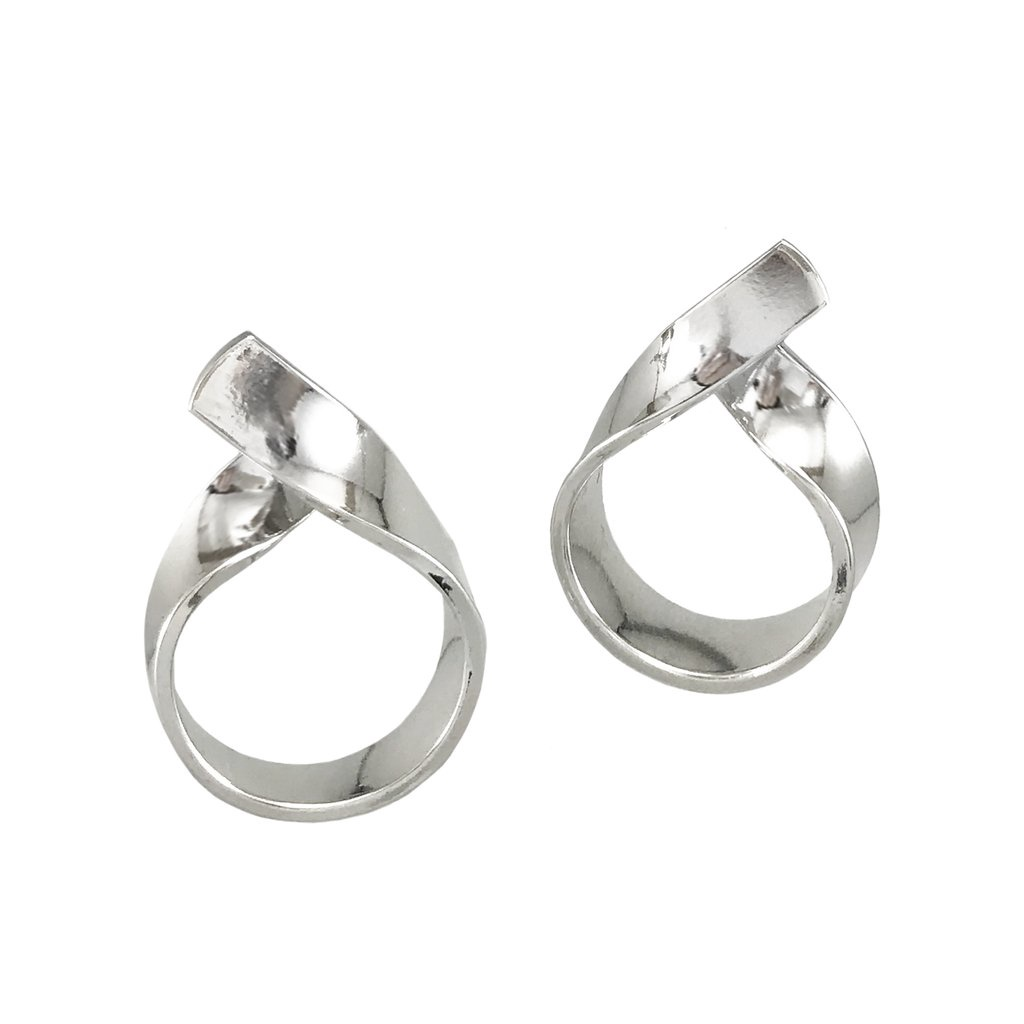 BIKO - RIBBON LOOP STUDS IN SILVER