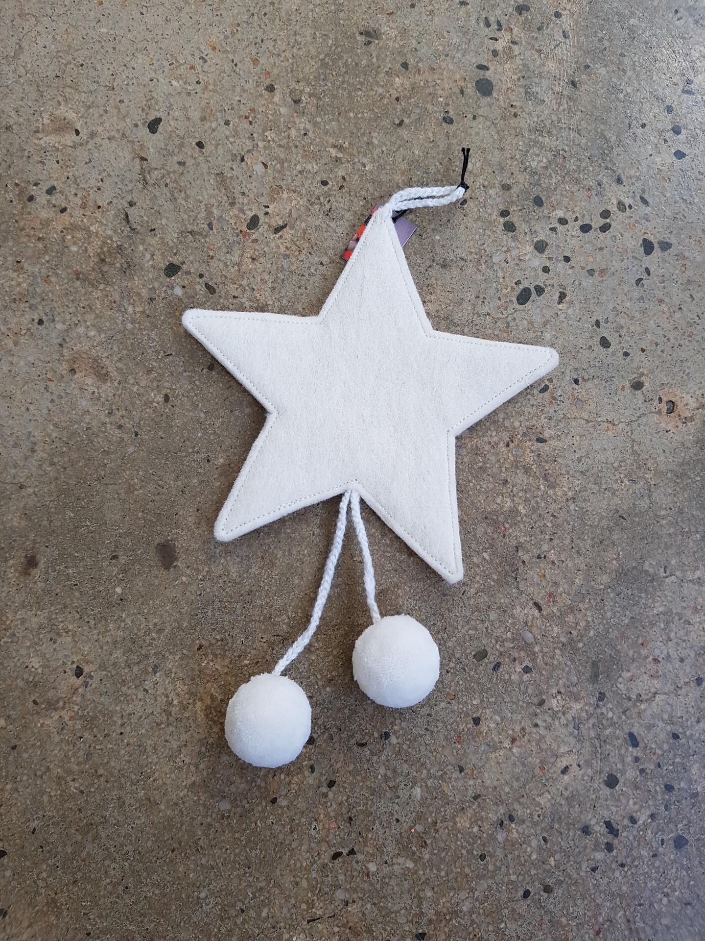 FELT STARS WITH POM POMS -NATURAL