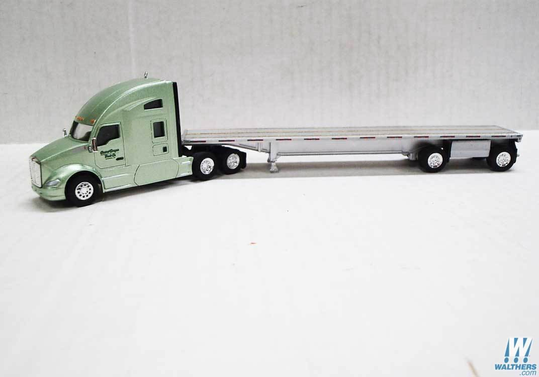 Trucks 'N' Stuff #734-TNS061 HO Scale Kenworth T680 Sleeper-Cab Tractor with Flatbed