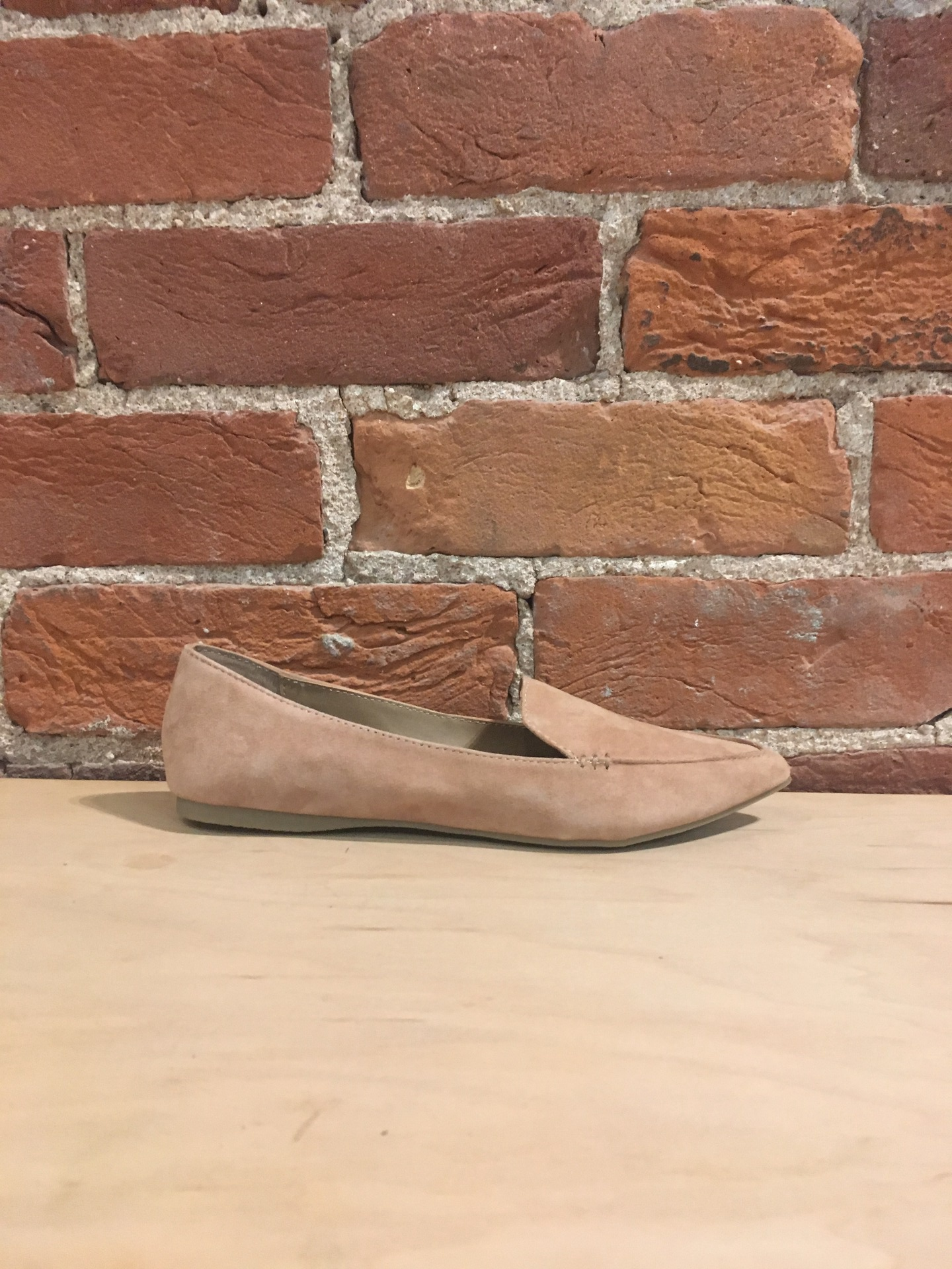 STEVE MADDEN - FEATHER IN CAMEL SUEDE