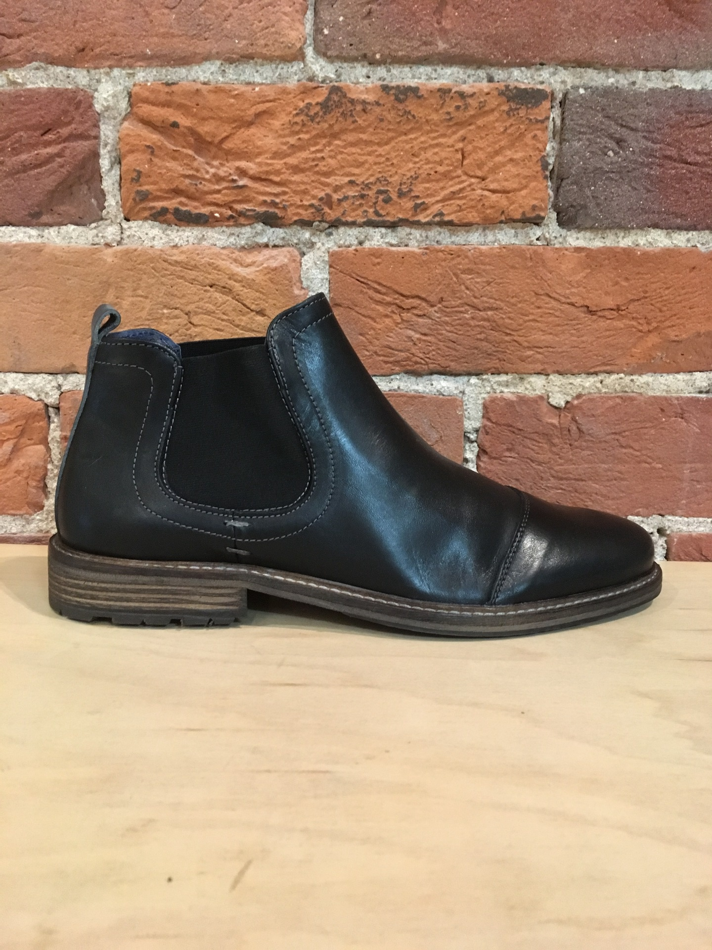 PARC CITY BOOT CO. - HYDE BOOT IN BLACK