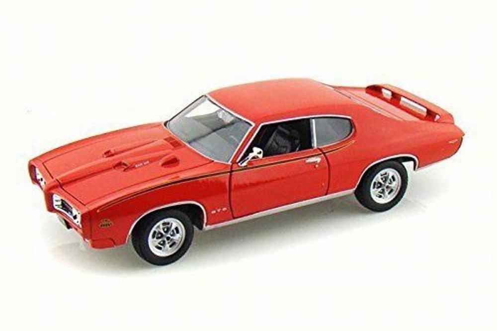 Motor Max #73133 . 1/18 1969 Pontiac GTO Judge