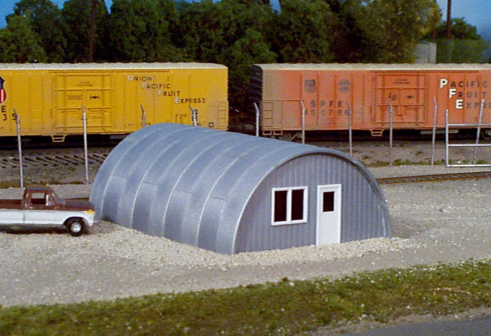 Rix Products #628-0410 HO Quonset Hut