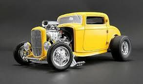 ACME #A1805015 1/18 1932 Blown Ford Three Window