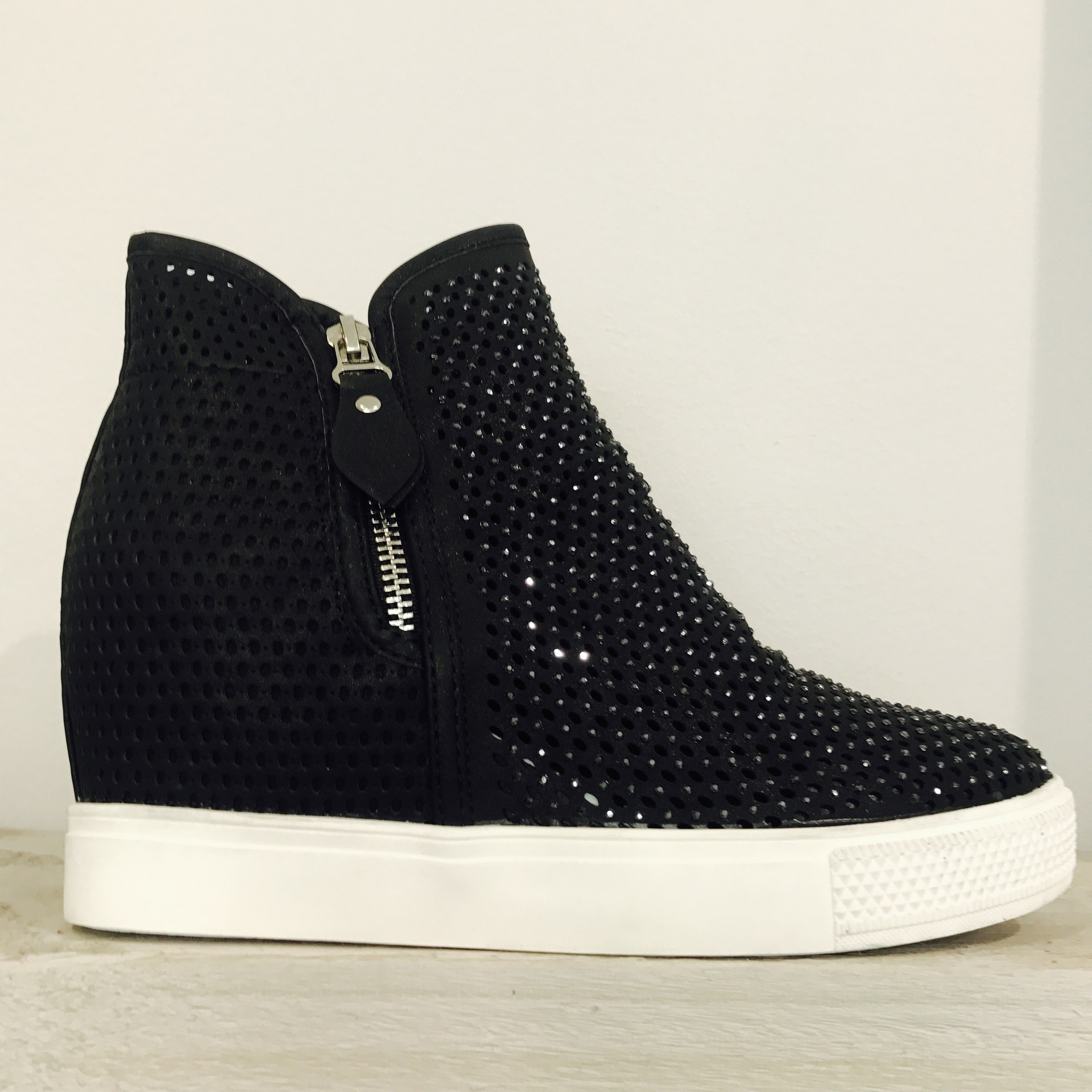 Sparkle Wedge Trainer