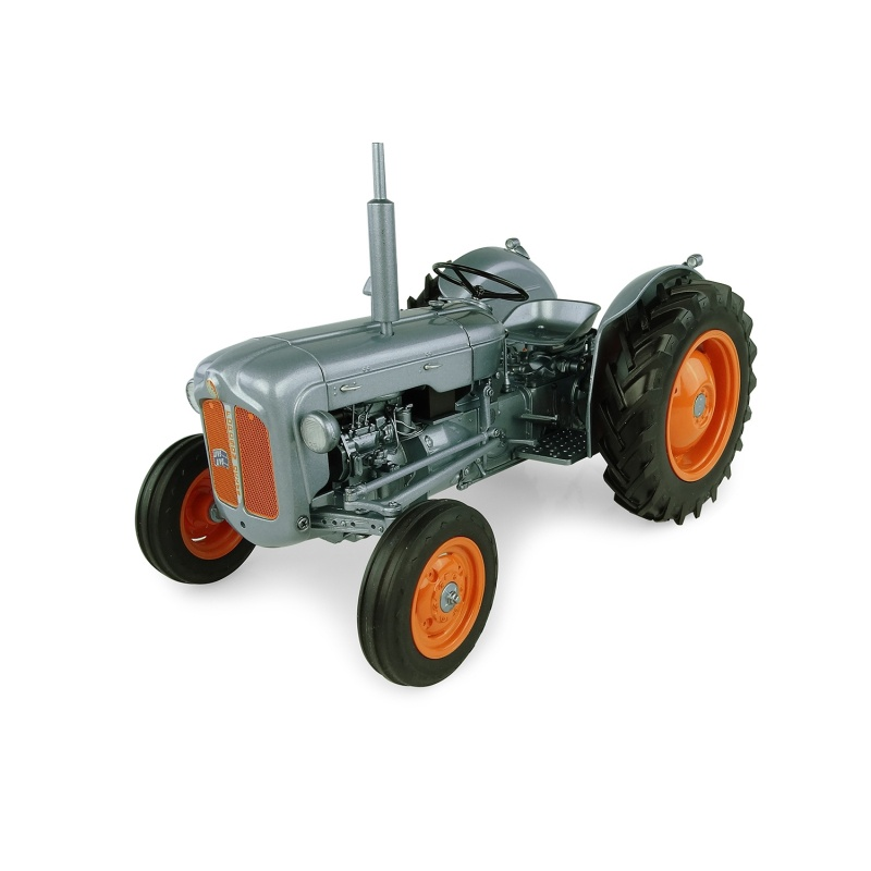 Universal Hobbies #UH5315  1/16 1957 Fordson Dexta-Launch Edition