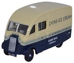 Oxford #76CM009 1/76 Commer Q25-Lyons Ice Cream