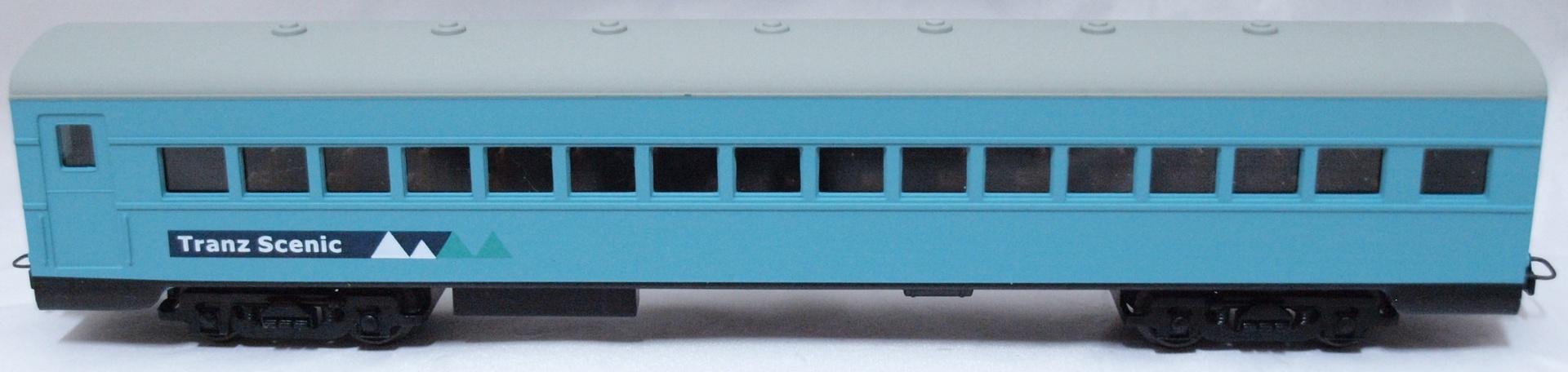 Frateschi #2595 HO Carbon Steel Passenger Car (Tranz Scenic Logo)