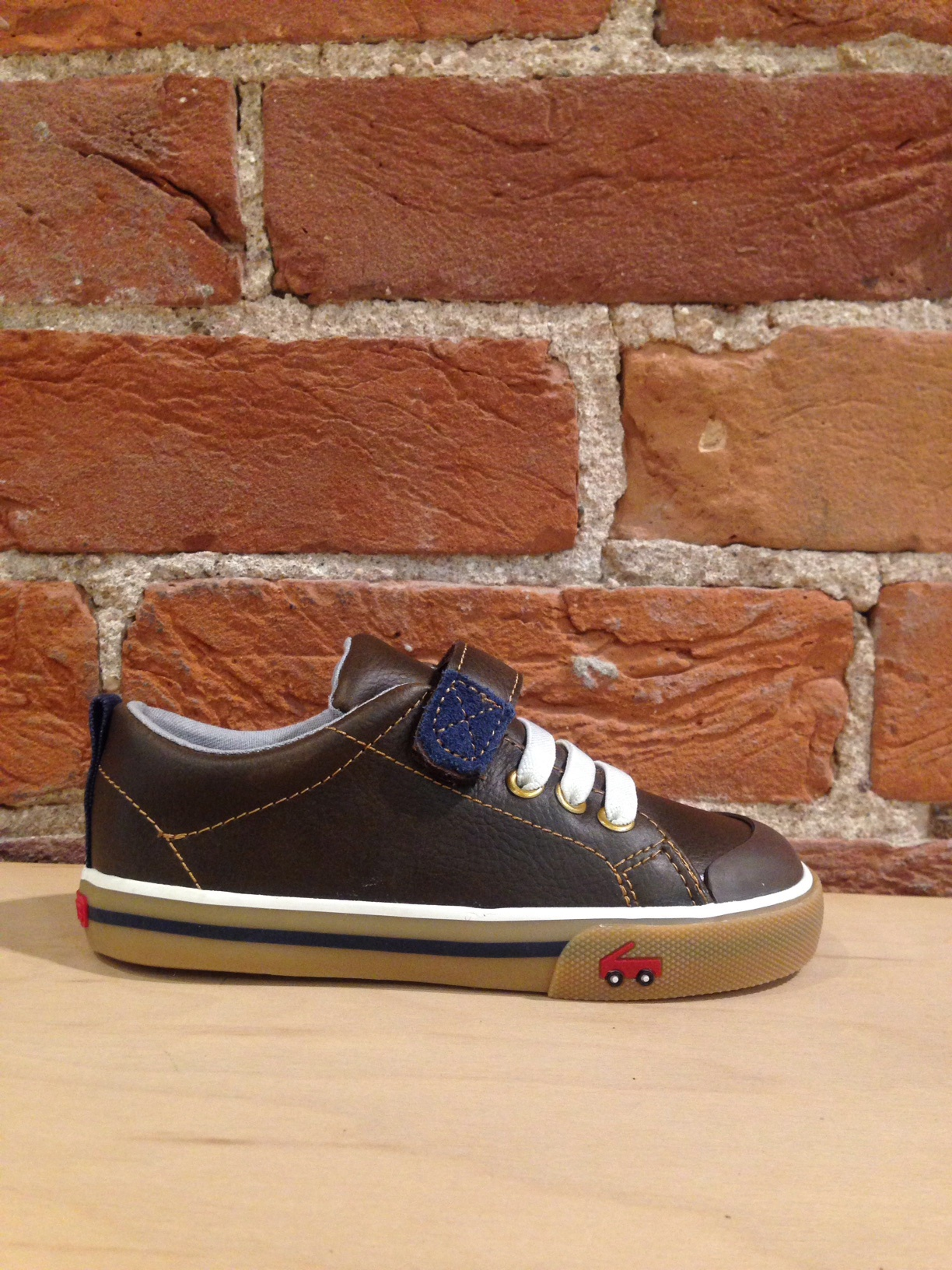 SEE KAI RUN - STEVIE II IN BROWN LEATHER (10-13)