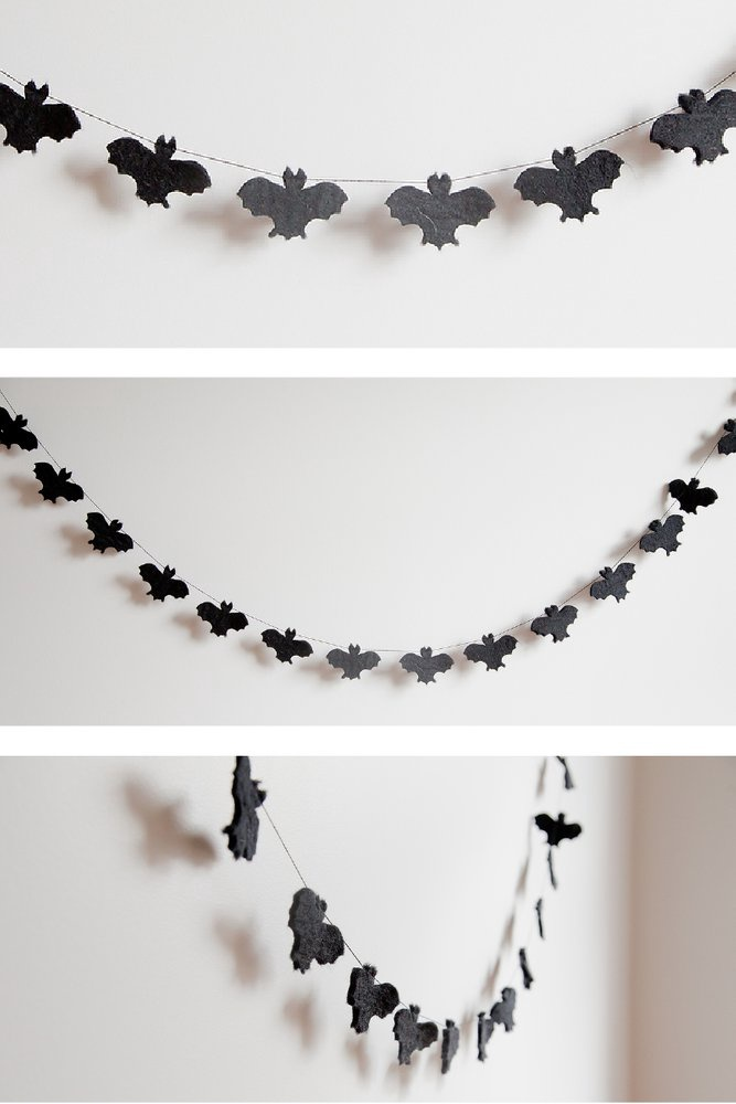 FLAT BAT FAMILY GARLAND