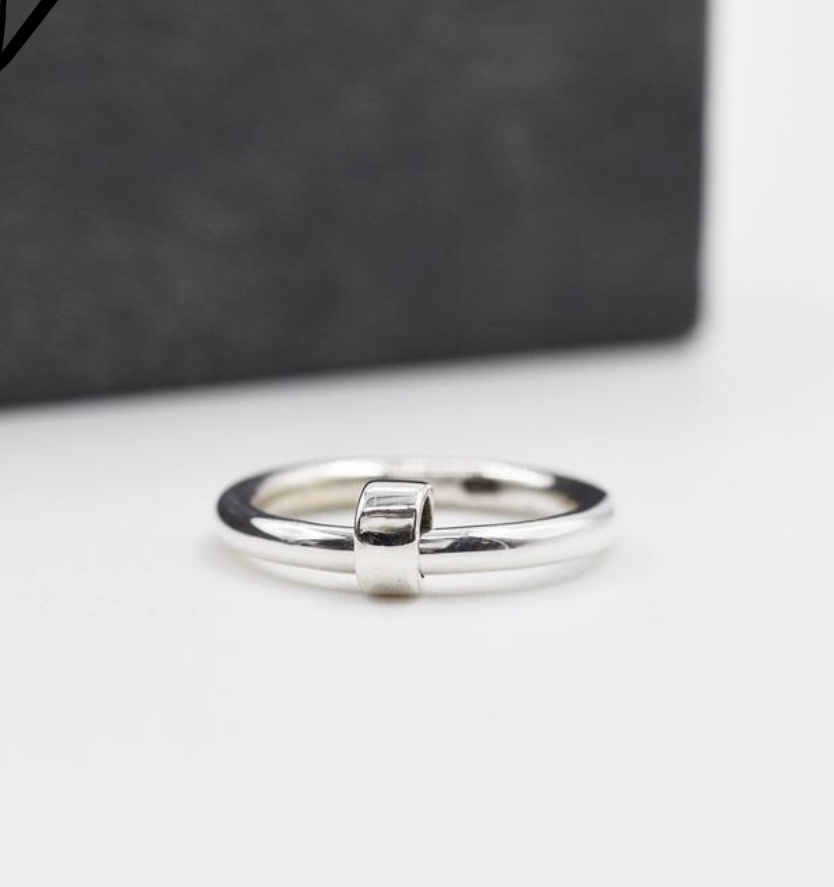 925 silver ring with little silver spinner