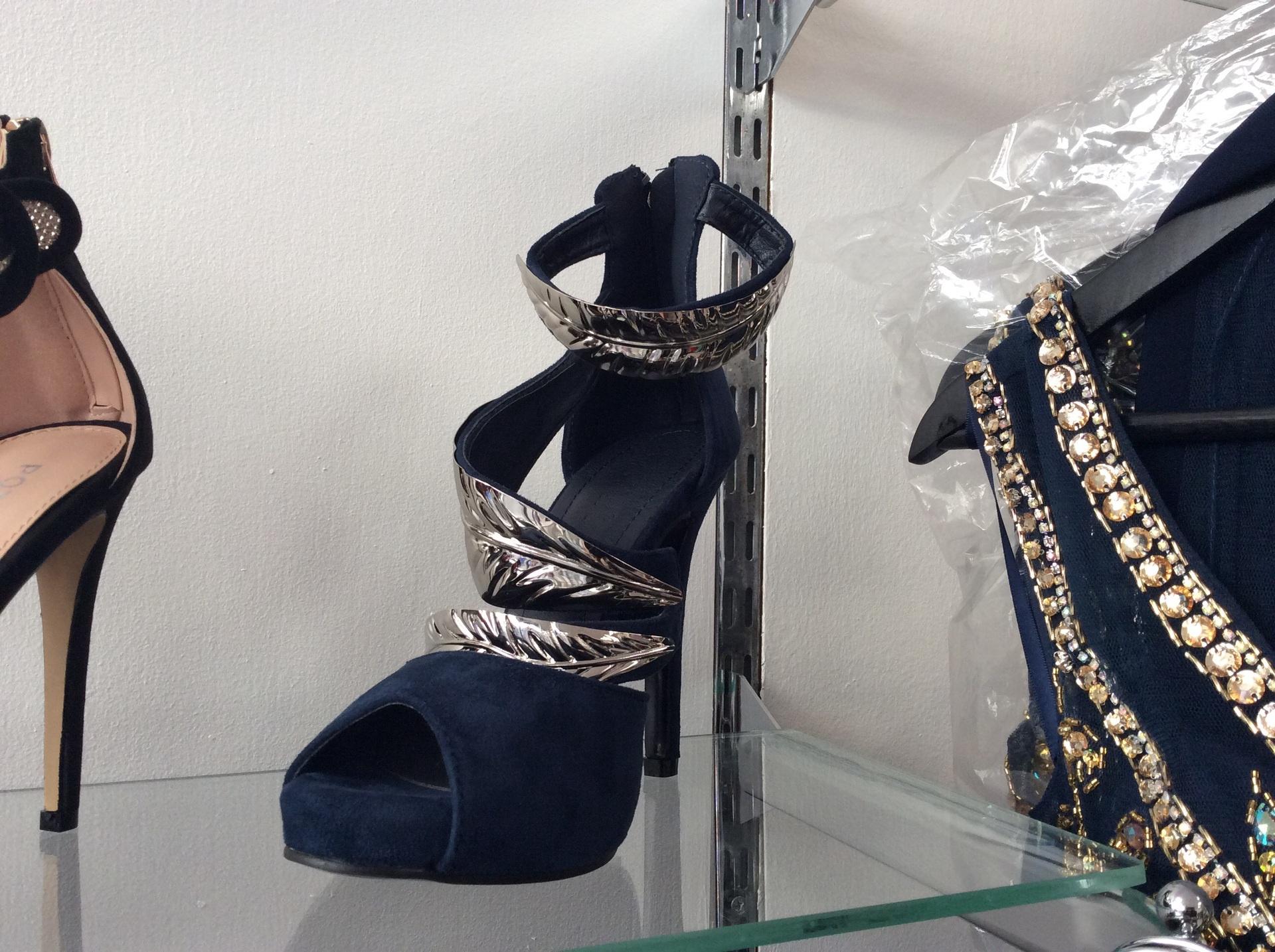 Navy/silver leaf kayla shoes