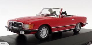 Maxichamps #940-033432 1/43 1974 Mercedes Benz 350 SL