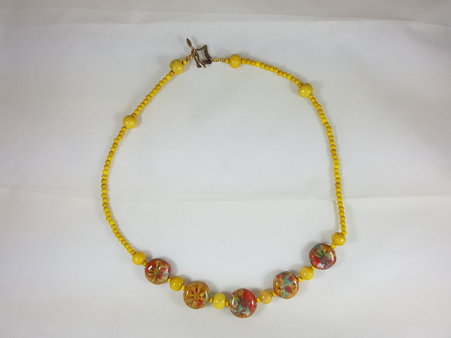 Vintage yellow necklace with 5 ceramic focal beads