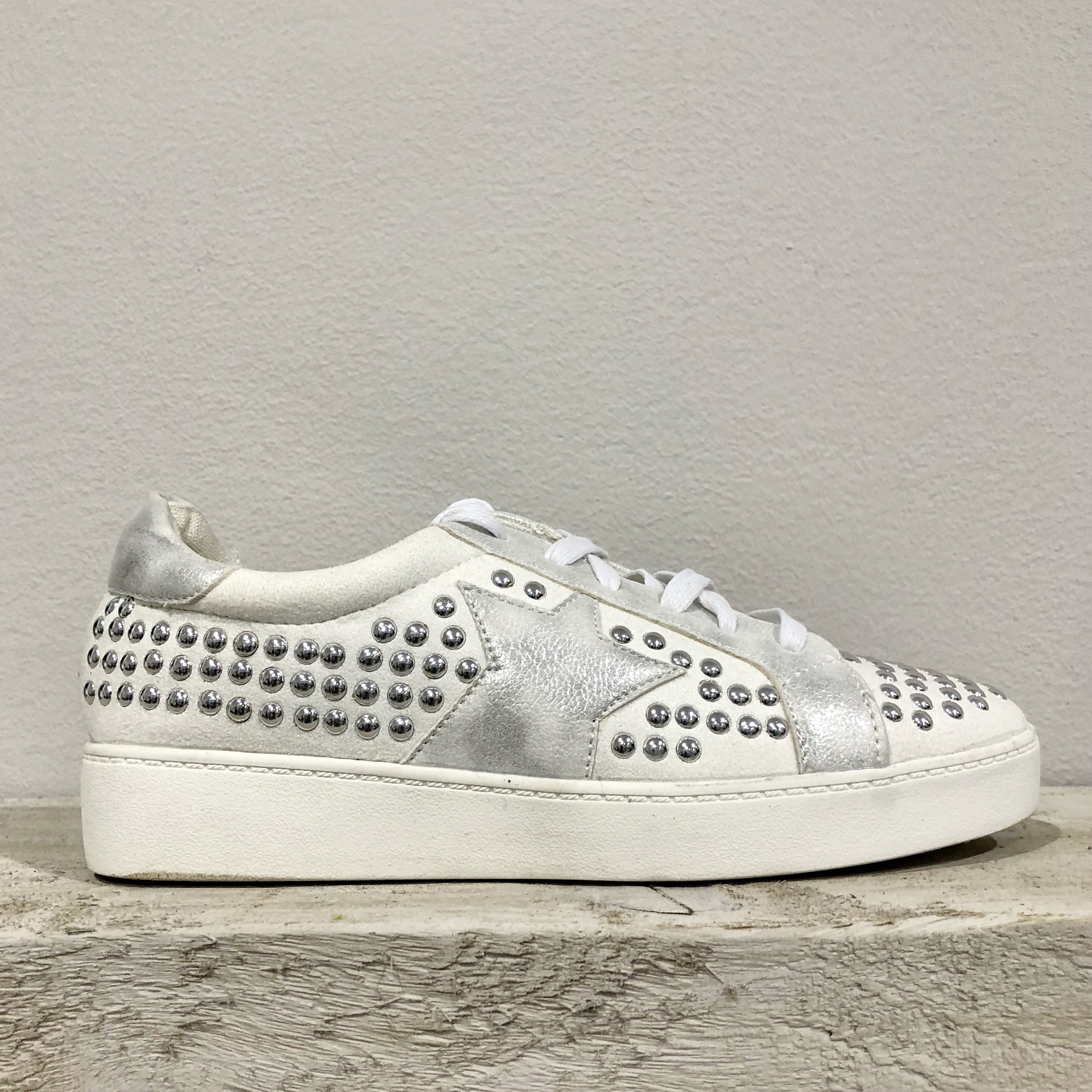 White Stud Star Trainers