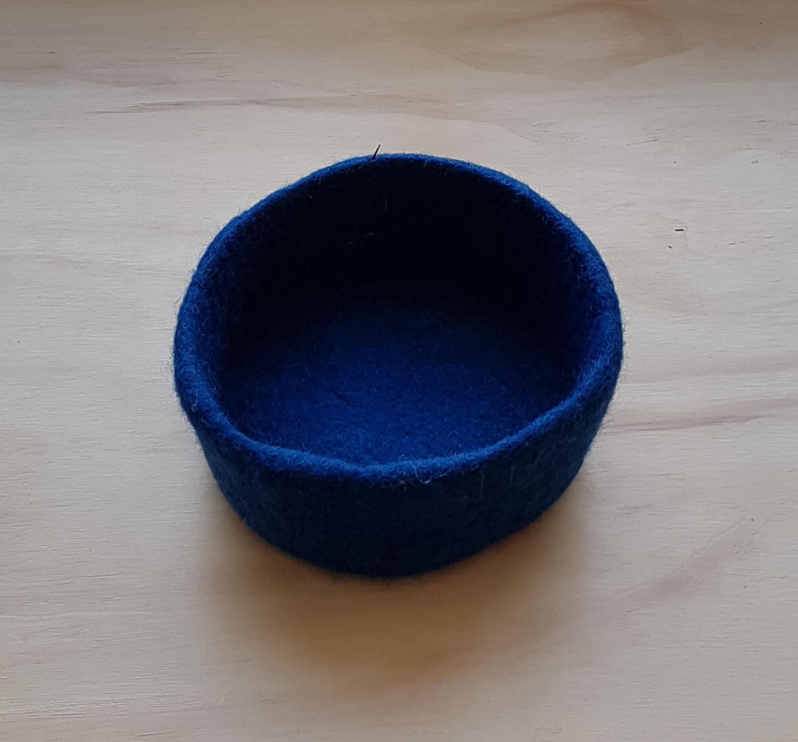 SMALL FELT BOWL - PEACOCK