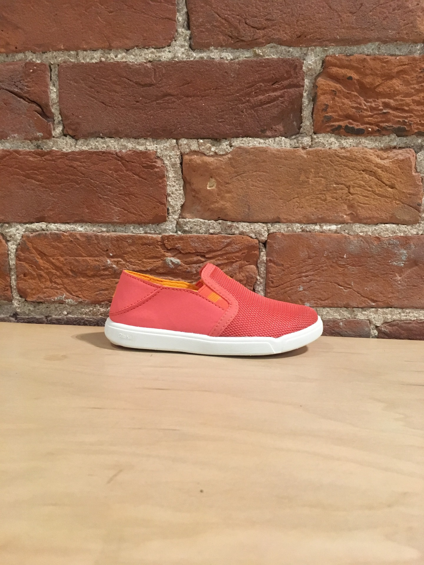 OLUKAI - PEHUEA MAKA GIRLS IN SPICED CORAL/FLAME ORANGE
