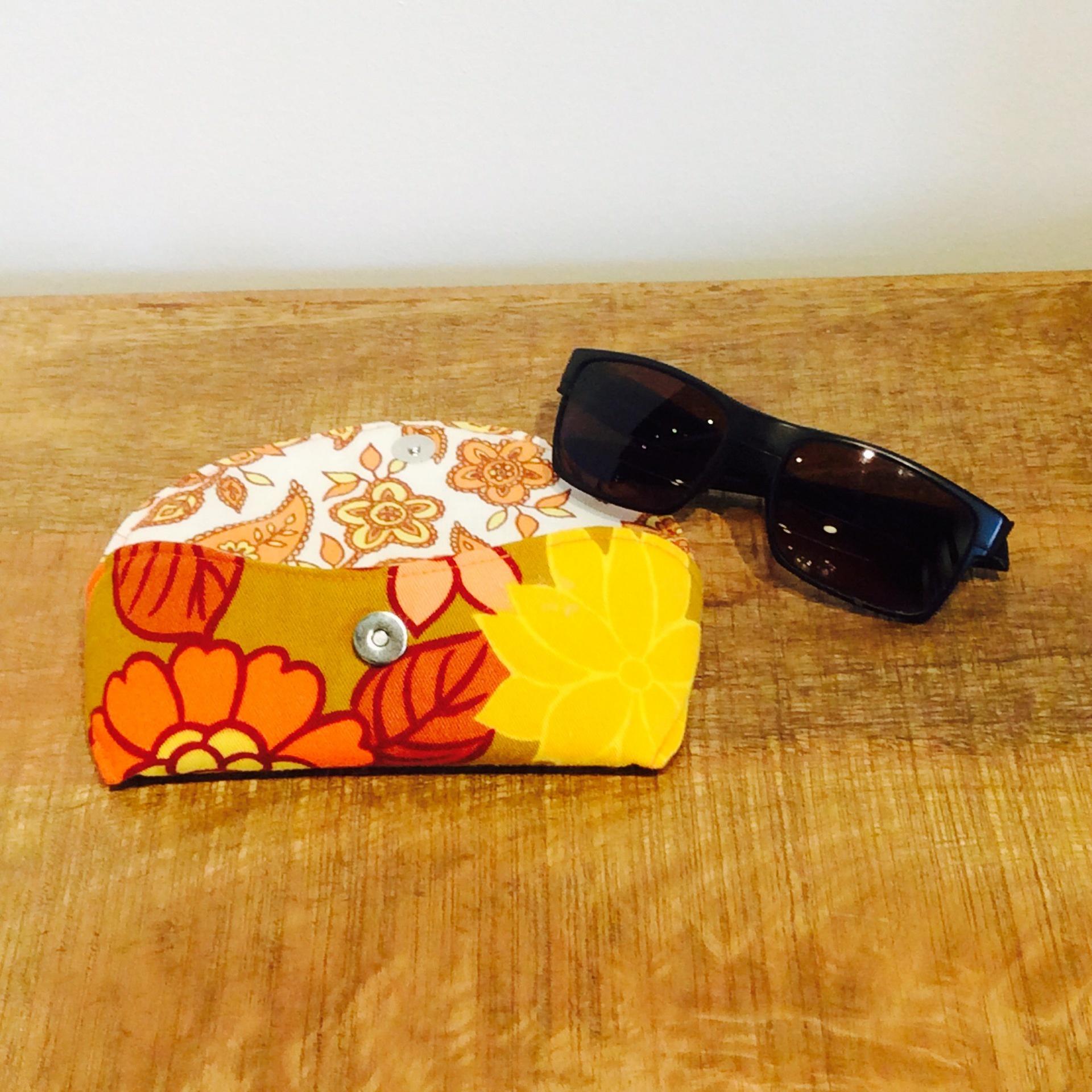 Funky Vintage Floral Fabric Glasses Case