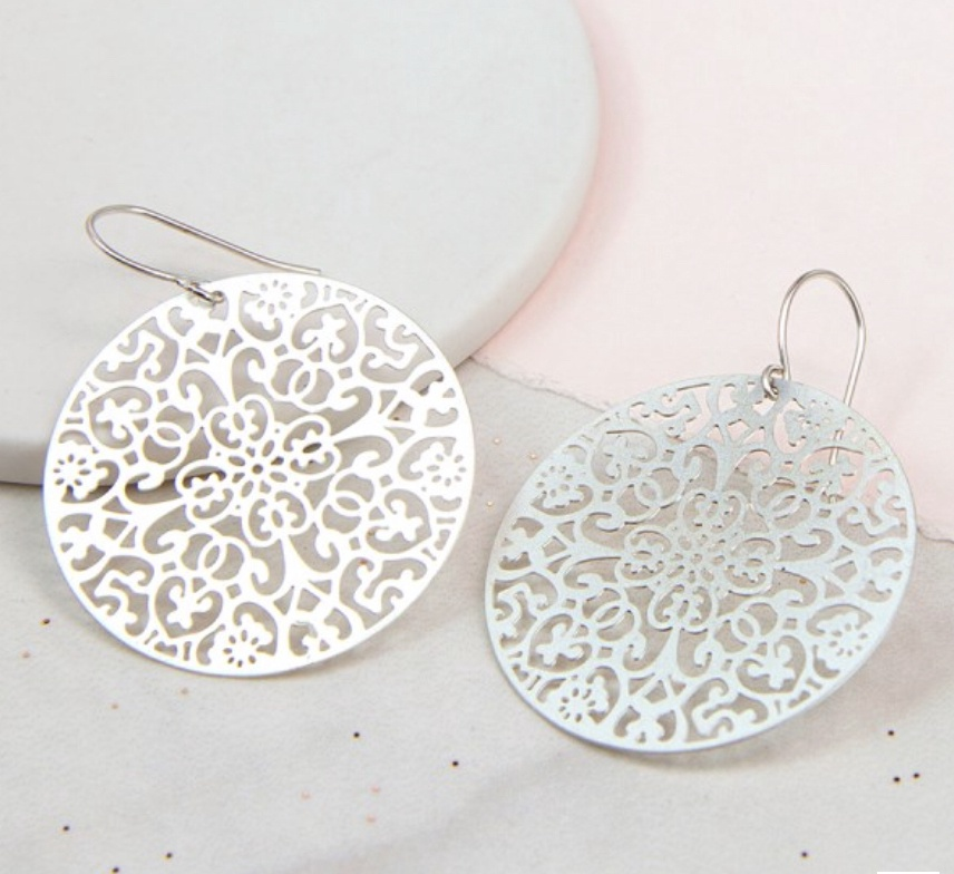 Silver plated laser cut filigree circle earrings