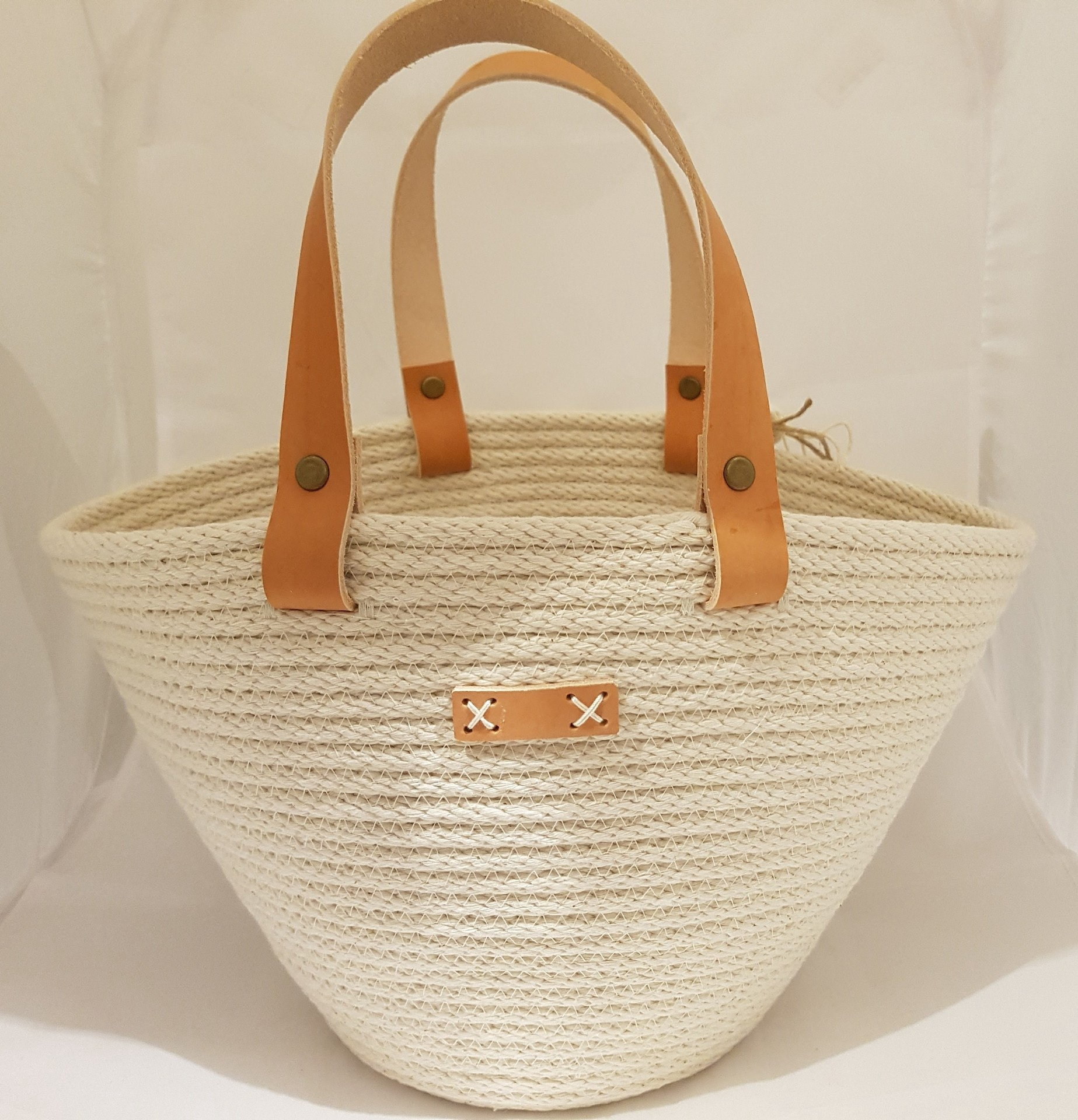 Oval Rope Basket with Leather handles