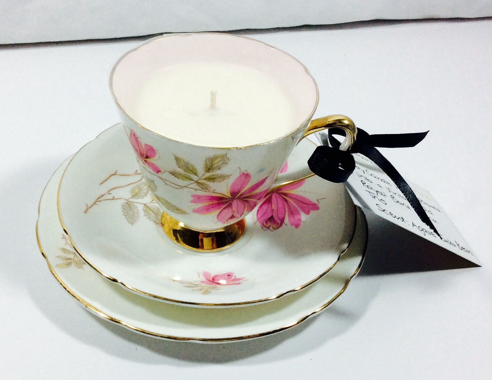 Vintage Tea Cup Candle - Old Royal Trio (1930-41, 3739) - Agave Tonka Bean