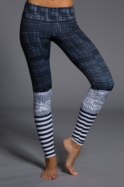 LEV graphic legging