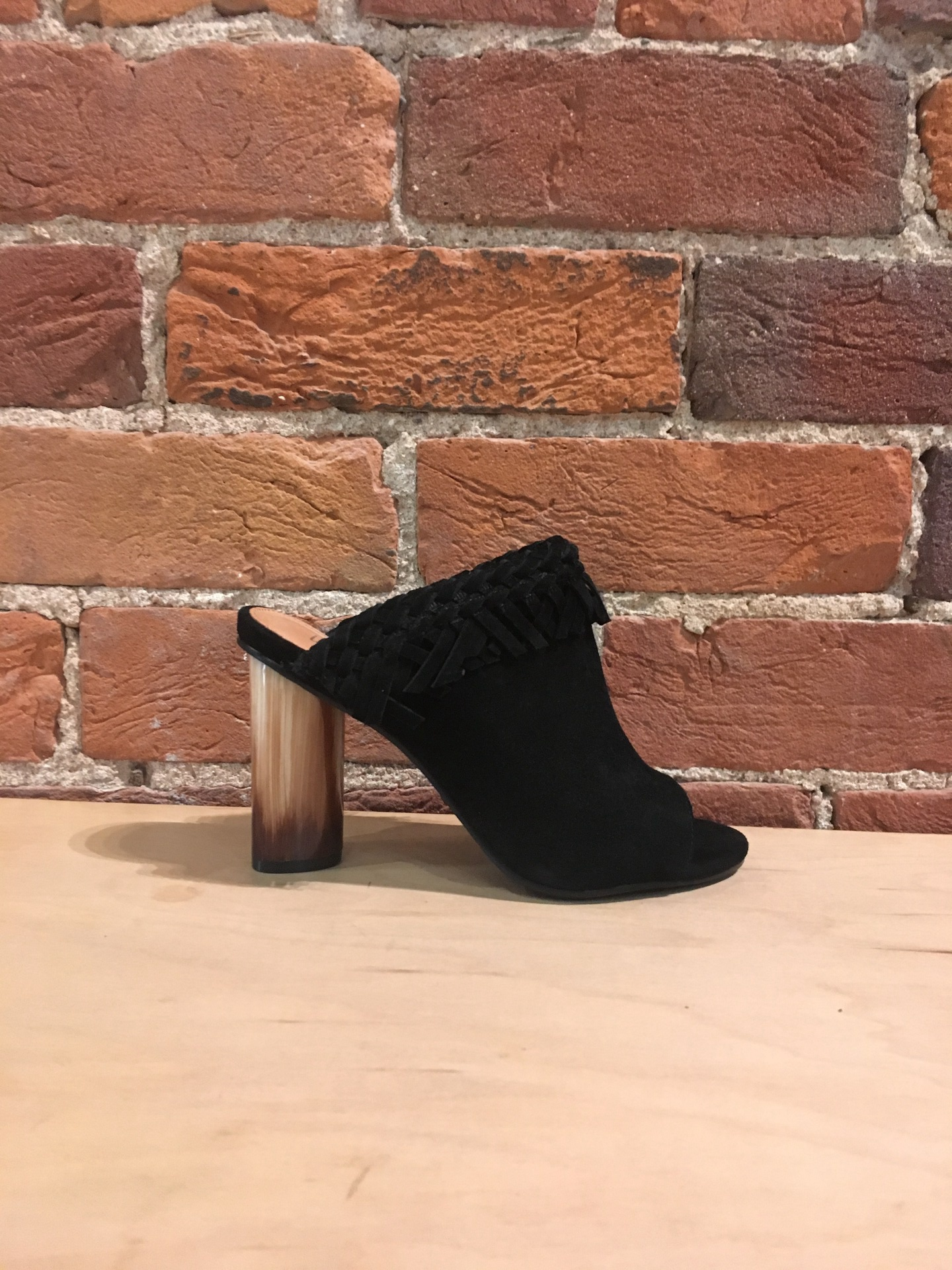 WITTNER - ROW IN BLACK SUEDE