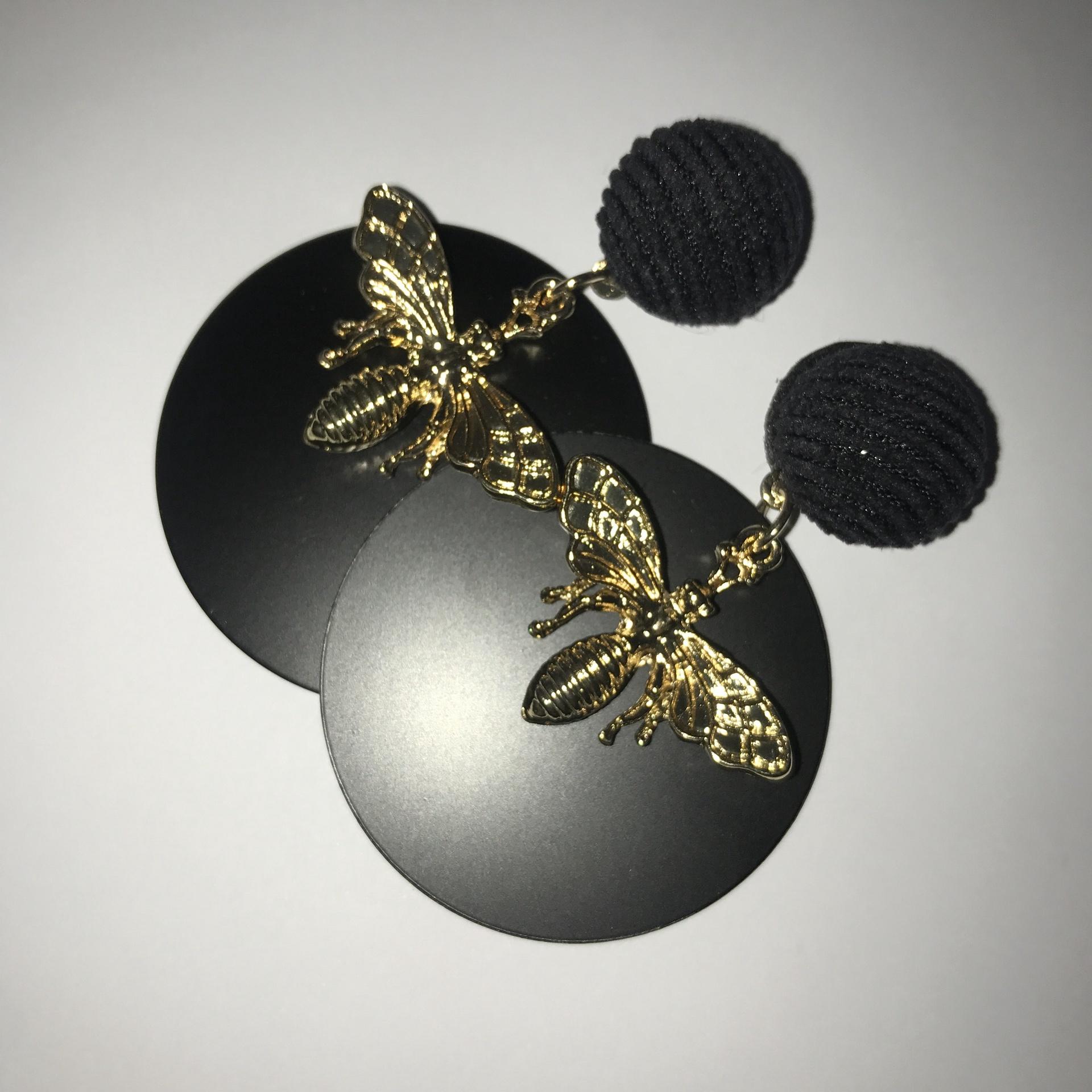 Bee Disc Earrings