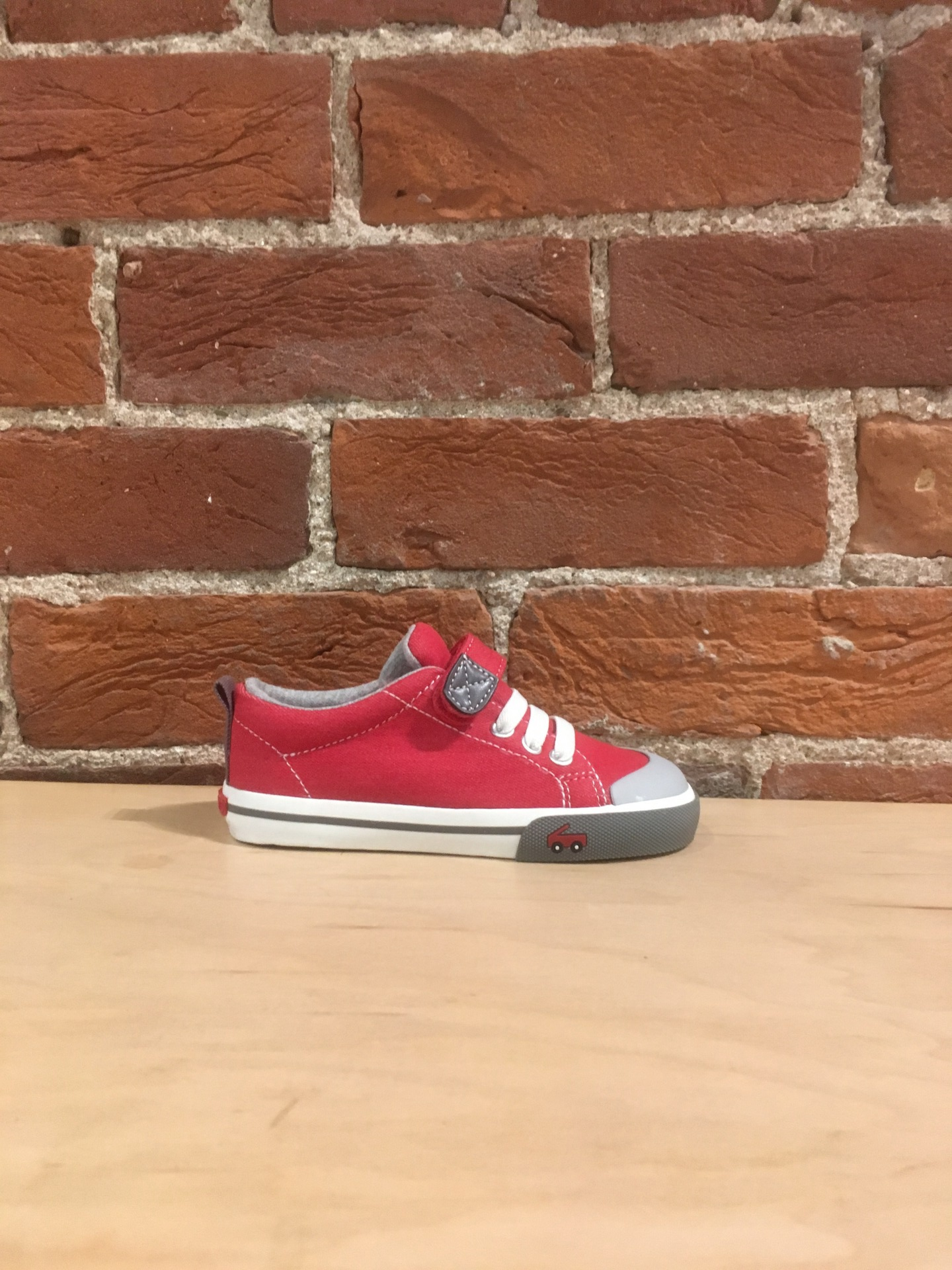 SEE KAI RUN - STEVIE II IN RED/GRAY (10-13)