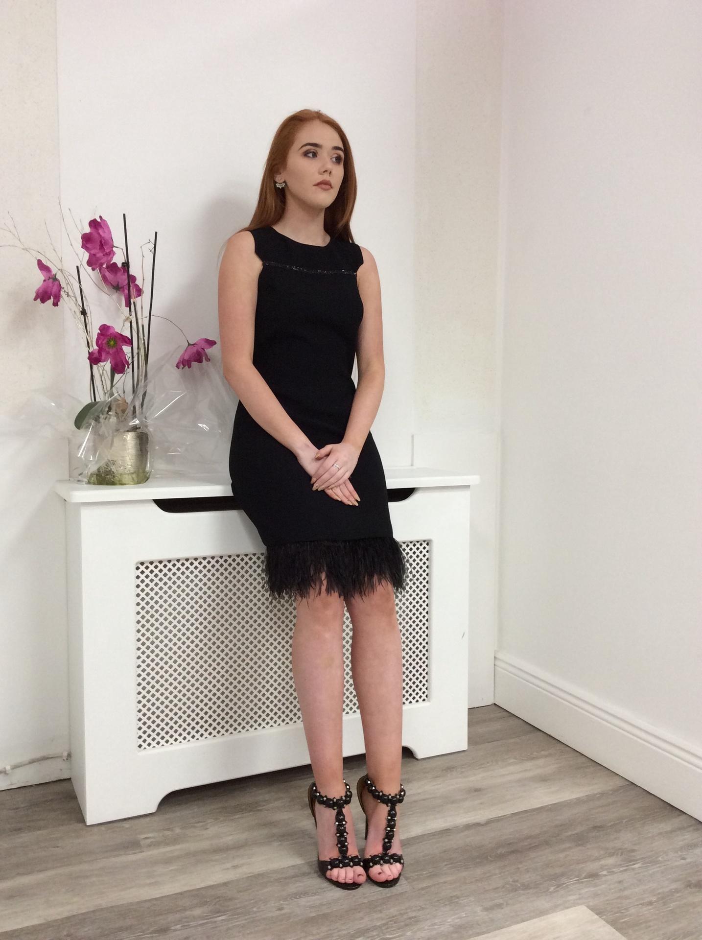 Black short feather short dress