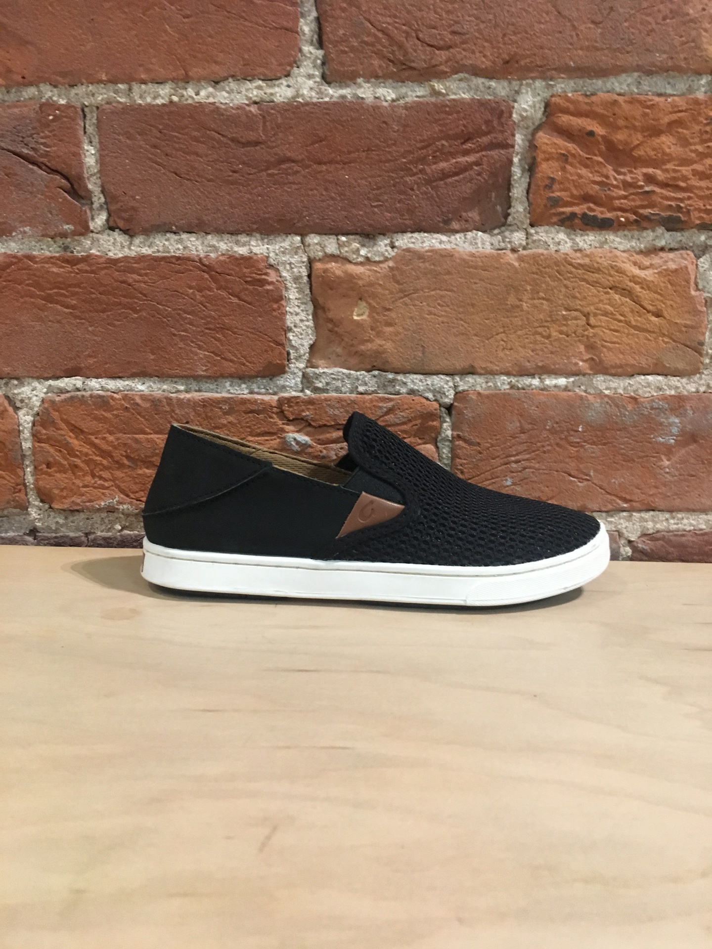 OLUKAI - PEHUEA IN BLACK/BLACK