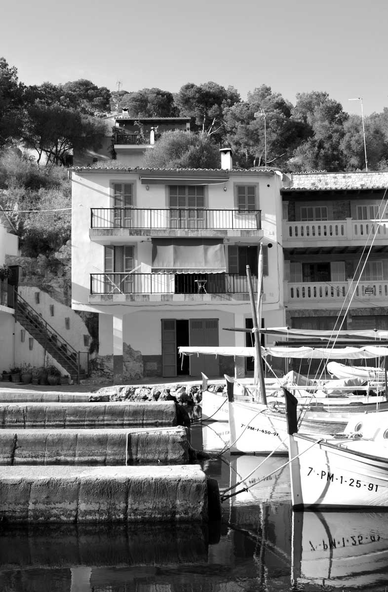 Cala Figuera Black & White