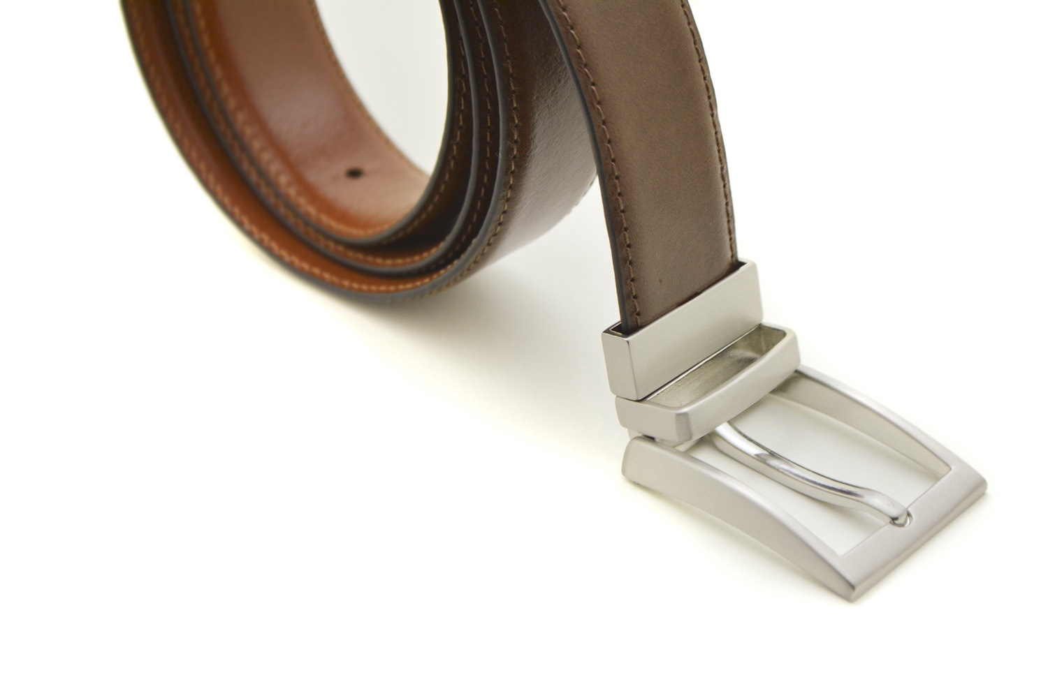 Men's reversible leather belt with silver buckle