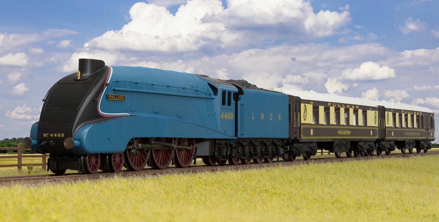 Hornby #R1202 Mallard Pullman Train Set