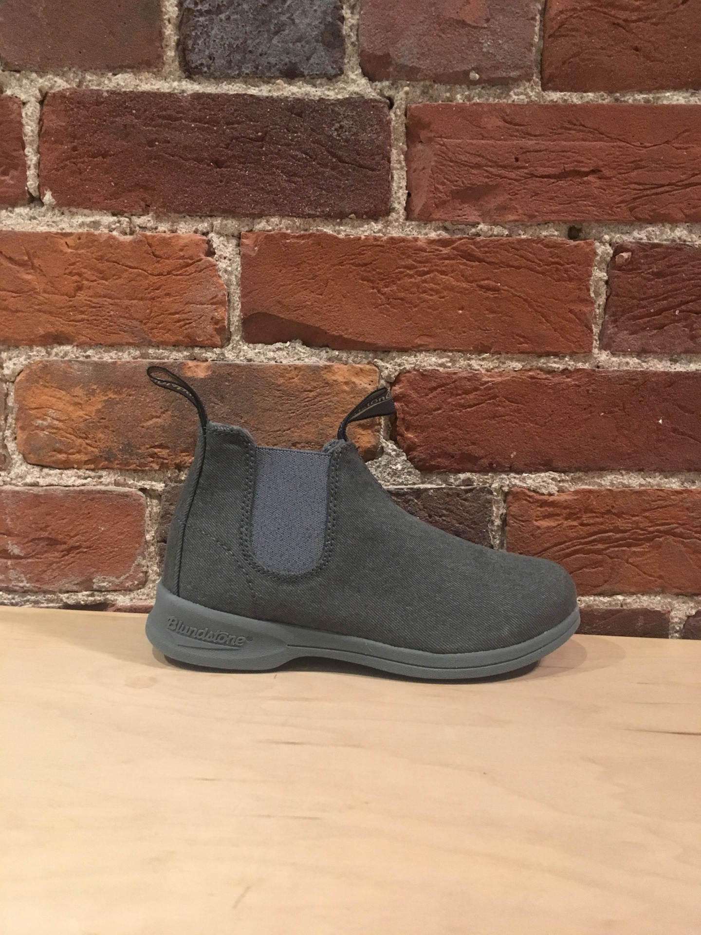 BLUNDSTONE -  1368 CANVAS IN CHARCOAL