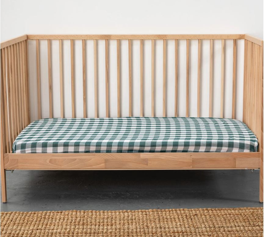 100% ORGANIC MUSLIN FITTED COT SHEET - GINGHAM PINE