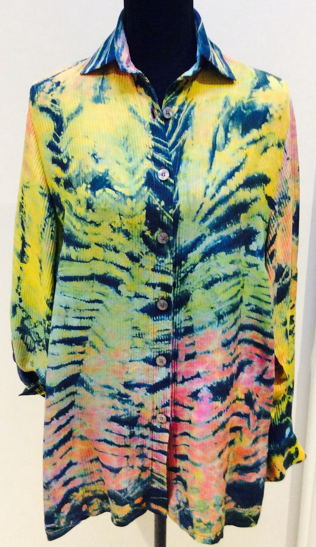 Hand Painted Silk Shirt with Adjustable length sleeves. Size S