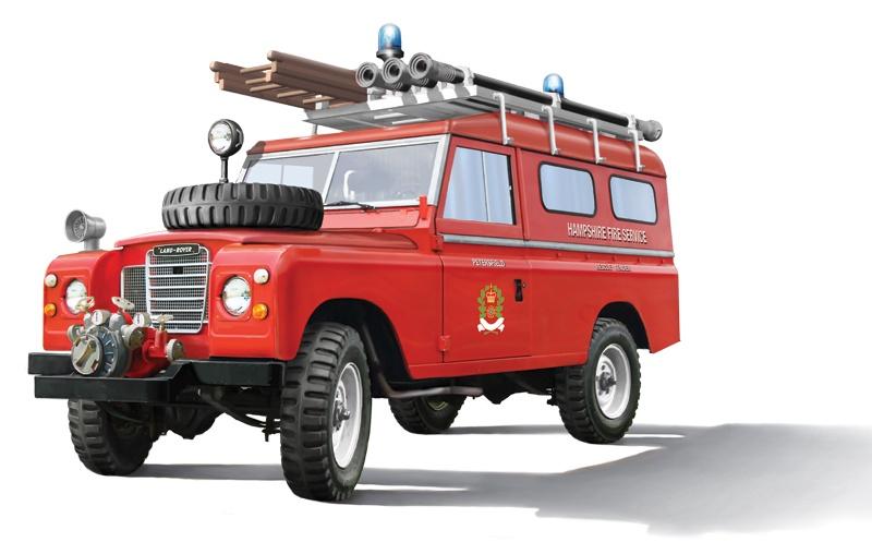 Italeri #3660 1/24 Land Rover Firetruck