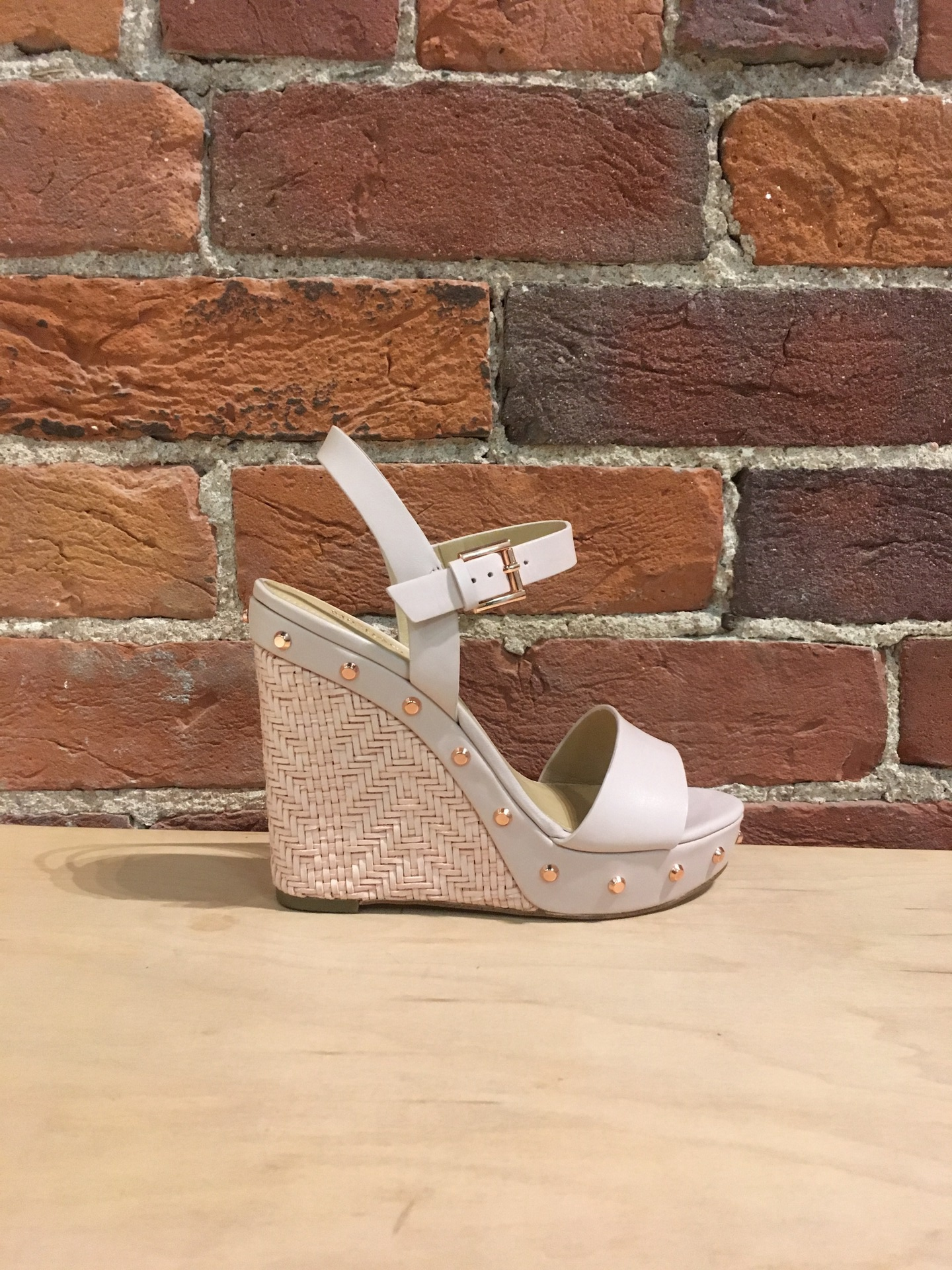 MICHAEL KORS - ELLEN WEDGE IN SOFT PINK