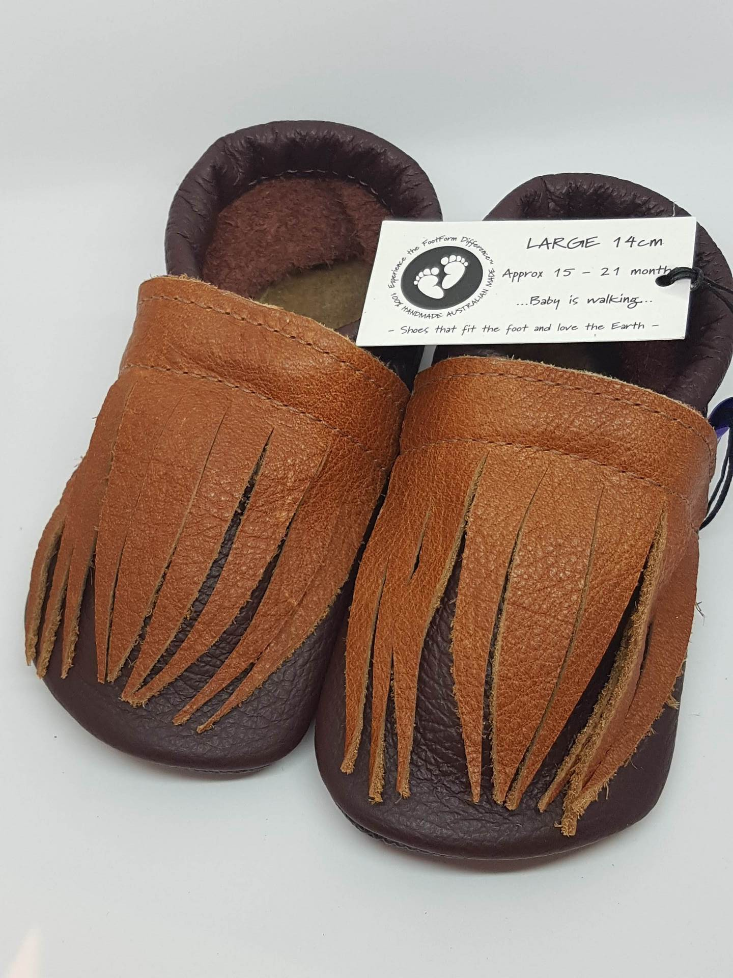 Leather toddler Shoes with fringe detail - size Large