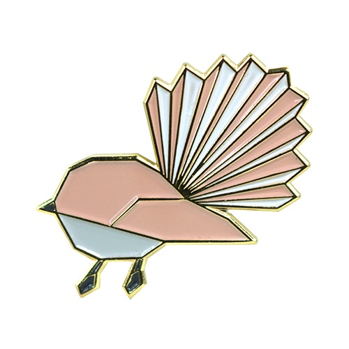 PIN BADGE GEOMETRIC FANTAIL
