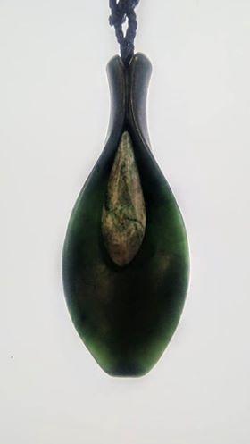 Pounamu Lily Aotea Stamen Pendant