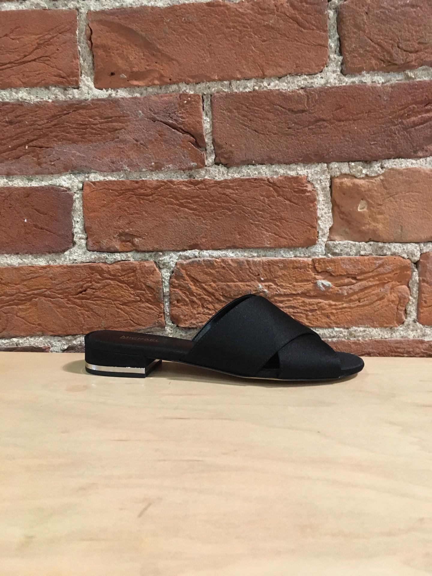 MICHAEL KORS - SHELLY FLAT SANDAL IN BLACK