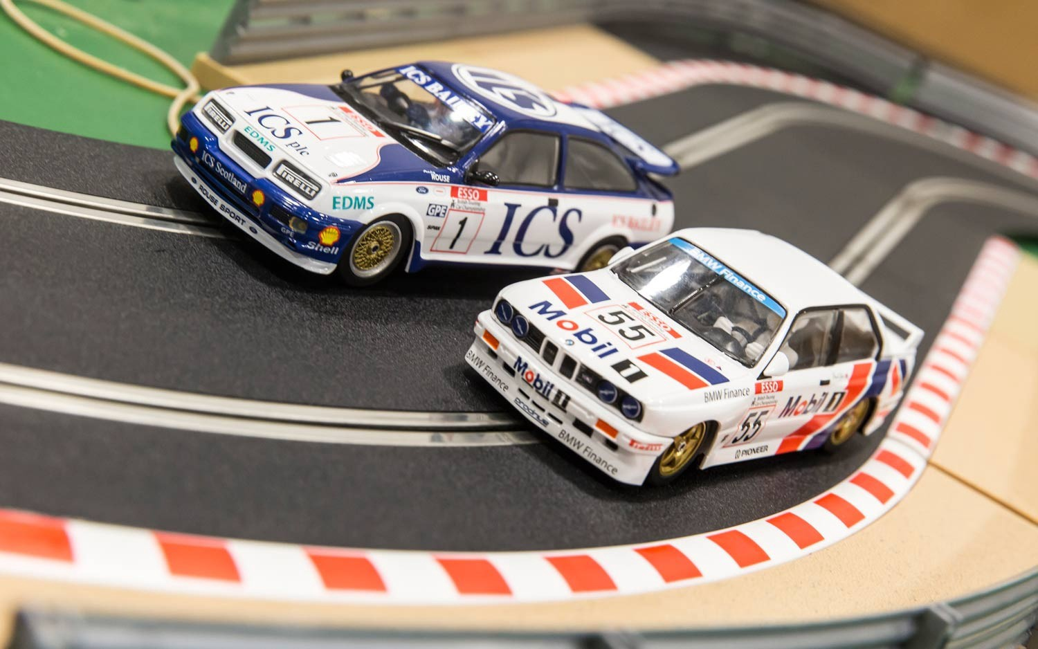 Scalextric  #C3693A 1/32 Ford Sierra RS500 and BMW M3 E30