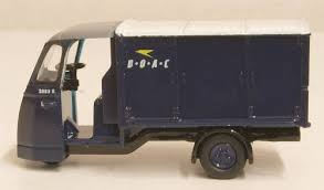 Oxford #76WE006 1/76 Wales &Edwards Standard Van