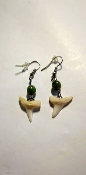 Earrings Shark Tooth & Pounamu Bead