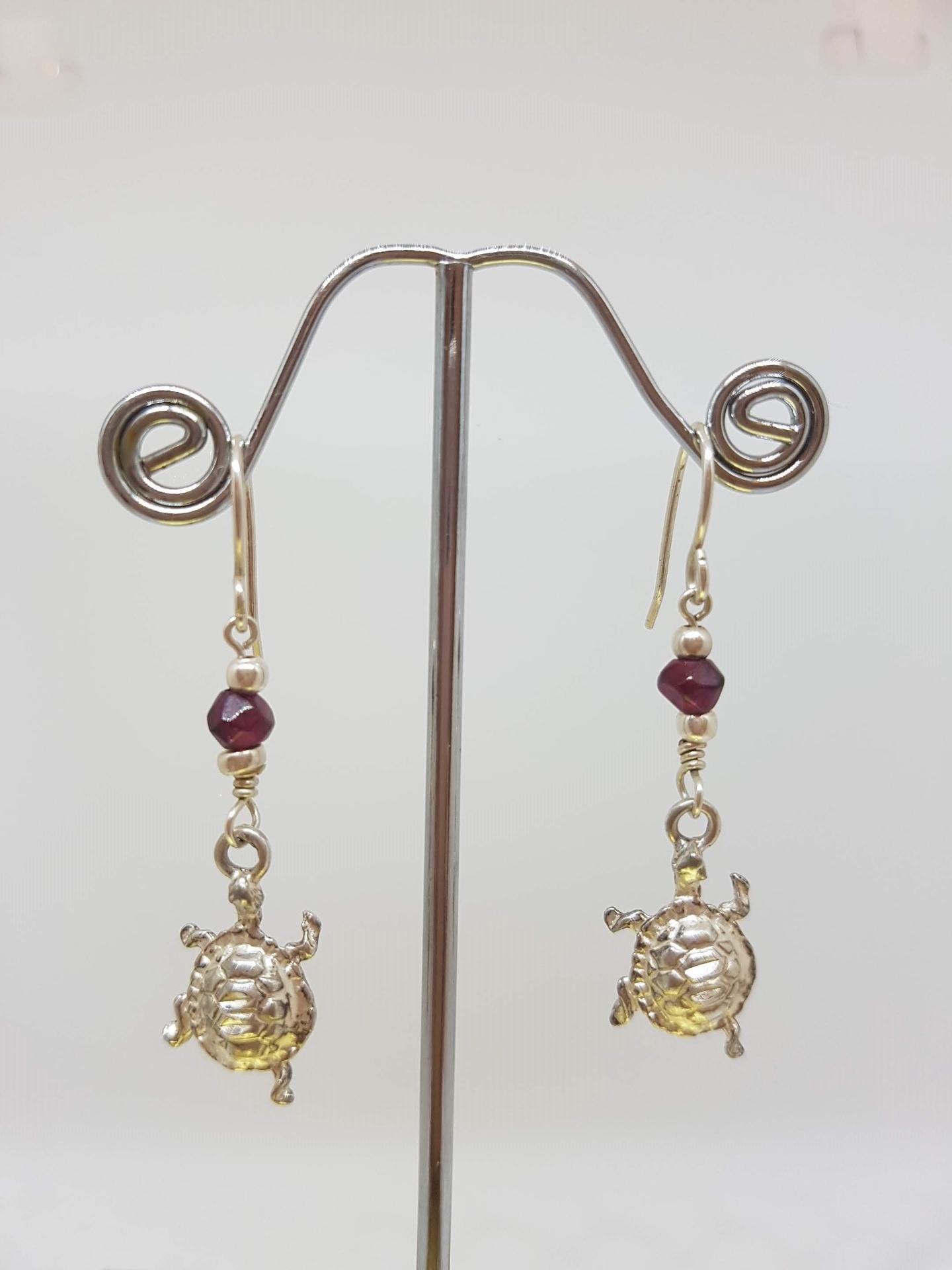 Turtle Earrings with garnet