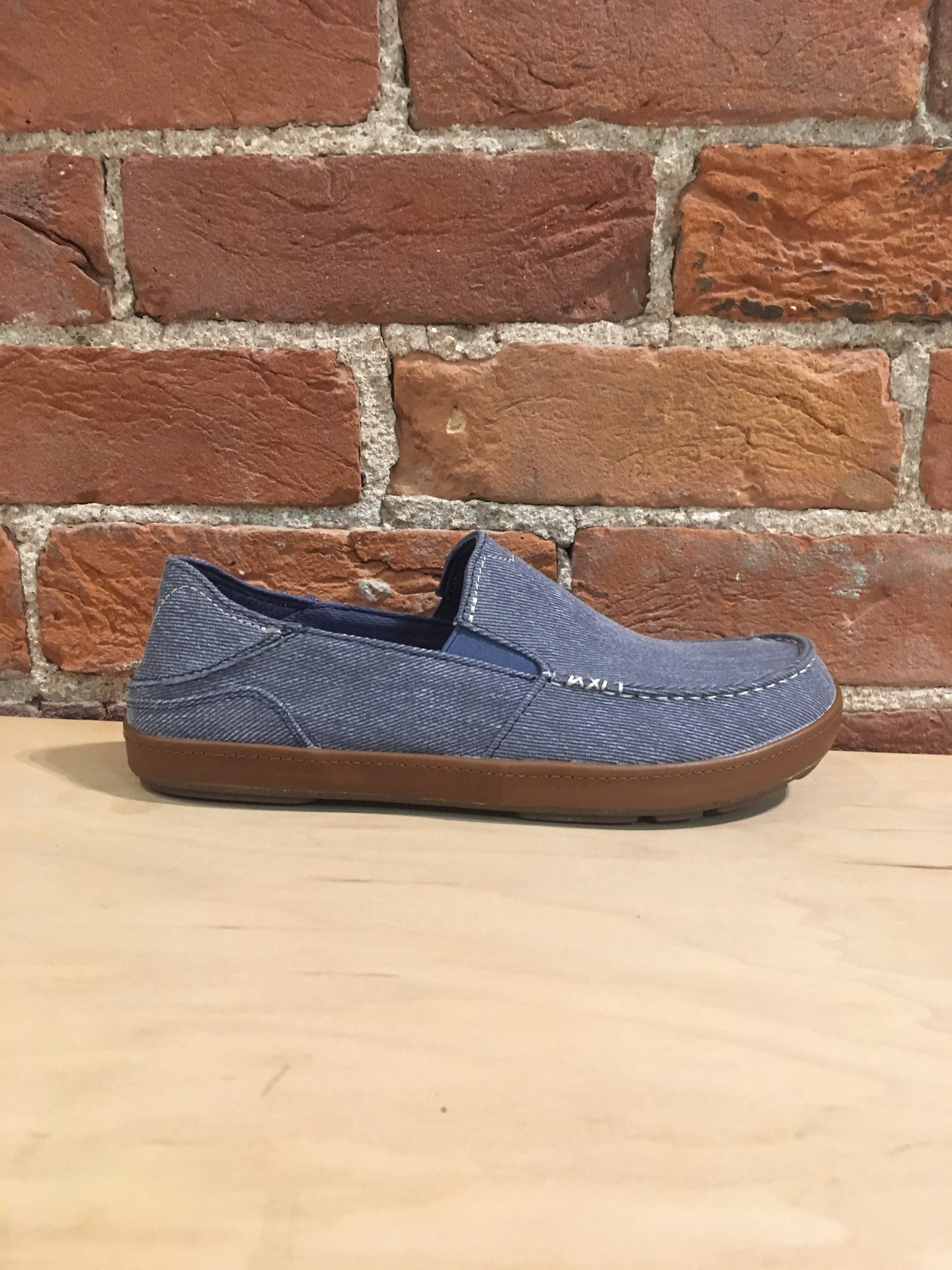 OLUKAI - PUHALU CANVAS IN VINTAGE INDIGO/TAN