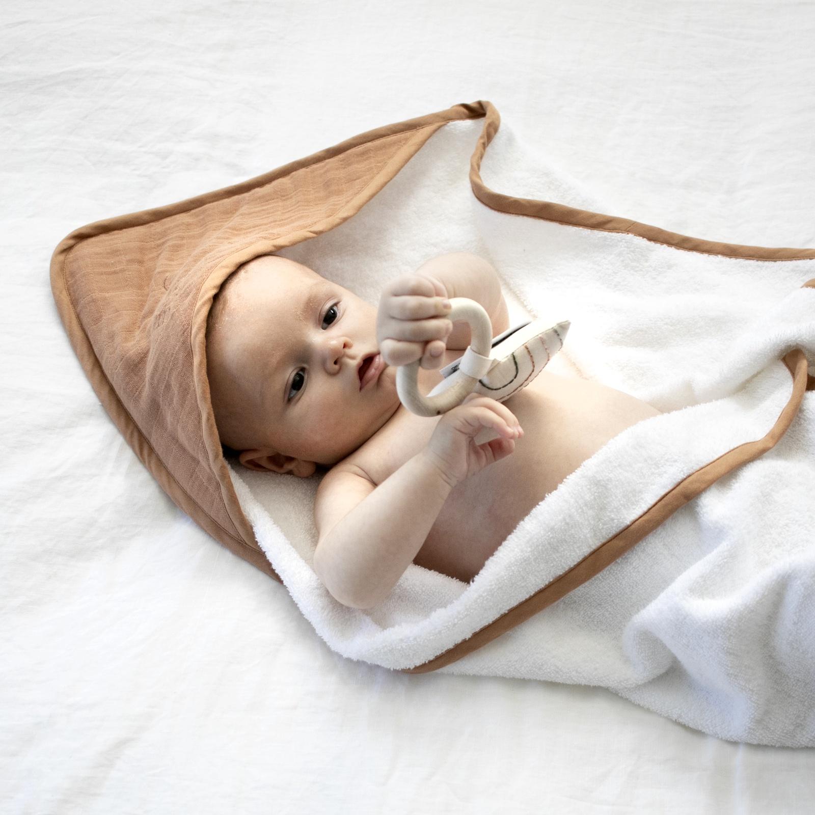BABY HOODED TOWEL - TAWNY BROWN